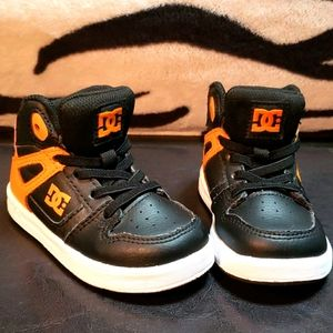 DC toddlers size 7